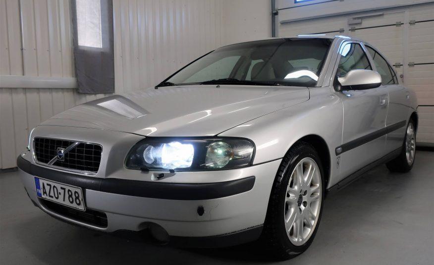 Myyty! Volvo S60 2.4T AWD A *Neliveto *Nahat *Xenon *Rahoitus *Vaihto