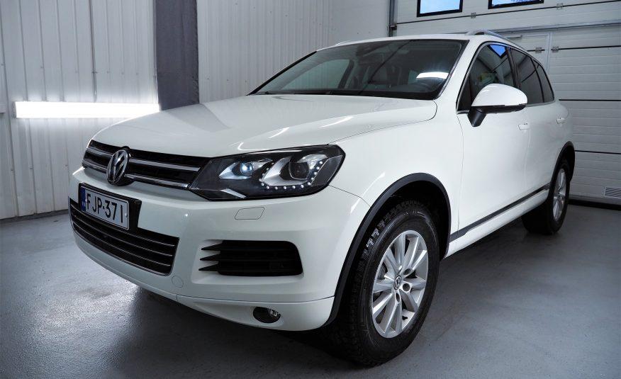 Myyty! Volkswagen Touareg 3,0 V6 TDI 176 kW (240 hv) 4MOTION BlueMotion Technology Tiptronic-automaatti *Tyylikäs väriyhdistelmä *Nahat